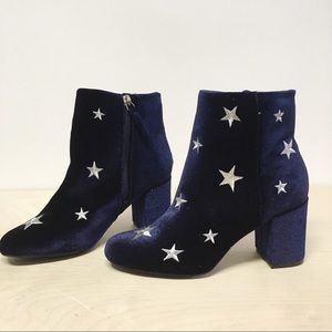 JustFab Ankle Bootie Blue Stars Velvety Size 7.5